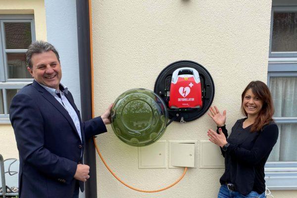 Vier lebensrettende Defibrillatoren in Pfaffenhofen – Unterumbach, Ebersried, Egenburg und Schulanger