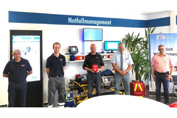 Firmen spenden Defibrillator an die Einsatzleiter Rettungsdienst im Pocket Format