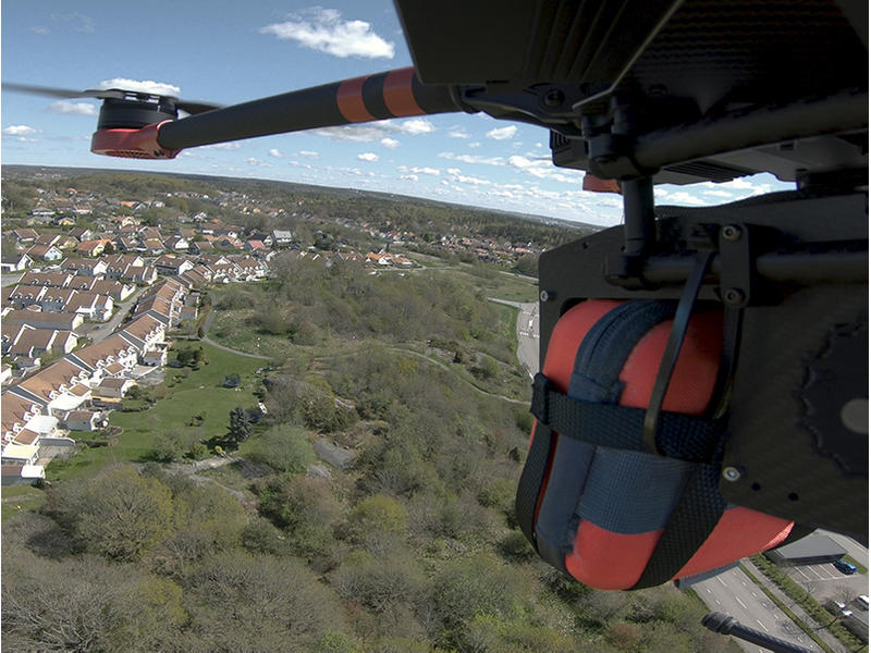 A drone carries a FRED easyport plus.